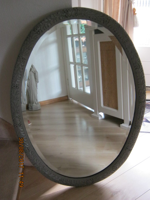 Nostalgische spiegel met facet geslepen glas